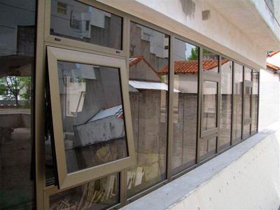 ventana practicable aluminio